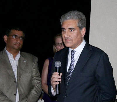 Raza with Pakistan's Foreign Minister, Makhdoom Shah Mahmood Qureshi